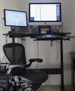 Geekdesk_and_iMac_2